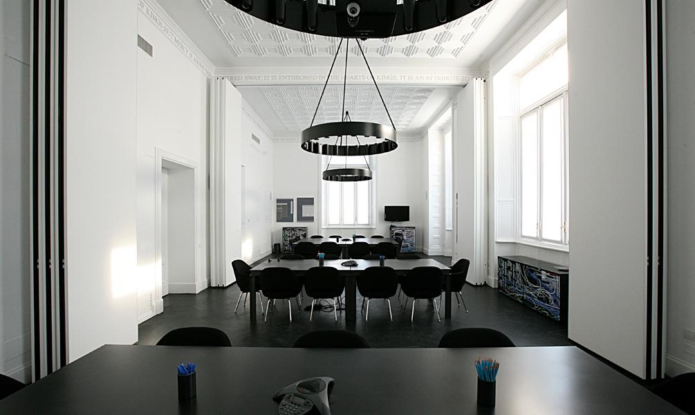 Pareti Divisorie Curve In Vetro: Divisori per interni pareti mobili ...